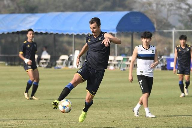 Chân sút số 1 Incheon United trở lại, cơ hội ra sân của Công Phượng hẹp hơn? - 1
