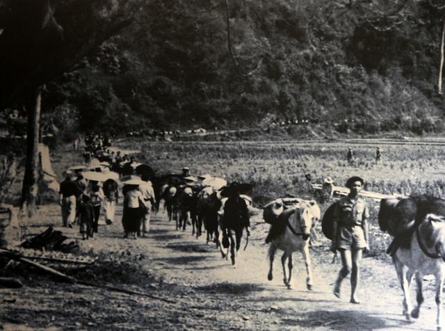 Hình ảnh, hiện vật đặc biệt của dân công hỏa tuyến trong chiến dịch Điện Biên Phủ - 11