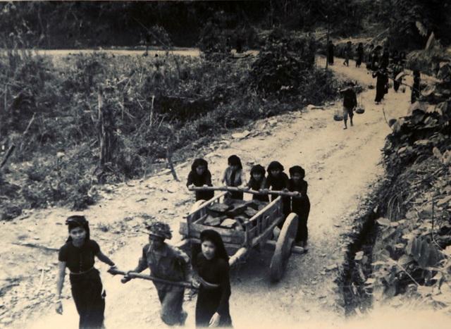 Hình ảnh, hiện vật đặc biệt của dân công hỏa tuyến trong chiến dịch Điện Biên Phủ - 3