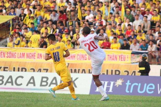 SL Nghệ An bất ngờ bị Nam Định chia điểm trên sân nhà - 1