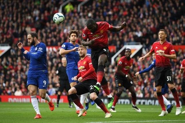 Man Utd 1-1 Chelsea: De Gea lại gây họa - 12