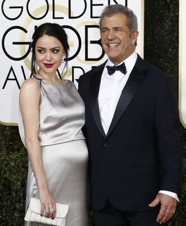 Nam diễn viên 63 tuổi Mel Gibson hạnh phúc ra phố cùng bạn gái 9X - 8