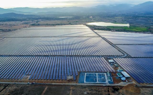Cụm nhà máy điện mặt trời 330mwp lớn nhất Đông Nam Á chính thức hòa lưới điện quốc gia - 1