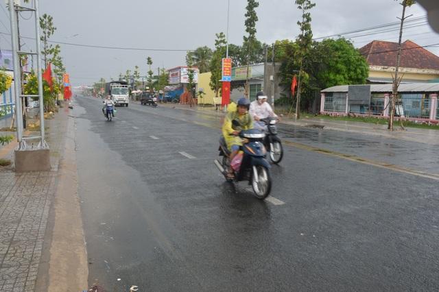 Sài Gòn bất ngờ đón trận mưa vàng trong ngày nghỉ lễ - 9