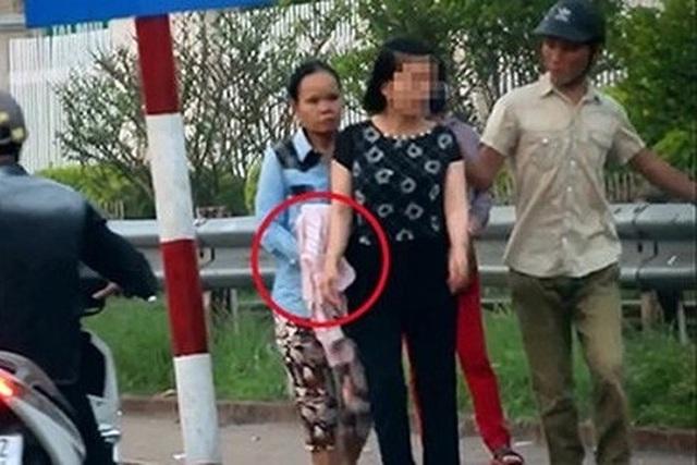 Hai nữ quái bị bắt trước cổng BV Bạch Mai đều là ngựa quen đường cũ - 3