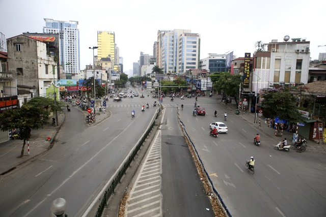 Phố phường Hà Nội vắng vẻ khác thường trong ngày nghỉ lễ - 7