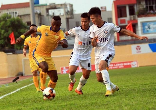 """Sài Gòn FC đánh bại SHB Đà Nẵng trong trận cầu Đức Chinh """"mất hút"""" - 1"""