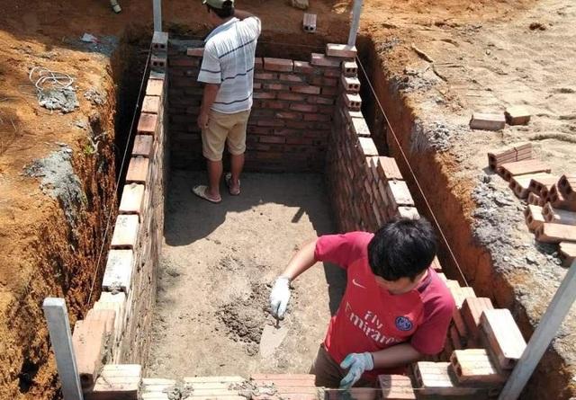 Người dân đóng góp công sức xây trường cho học sinh vùng cao - 5