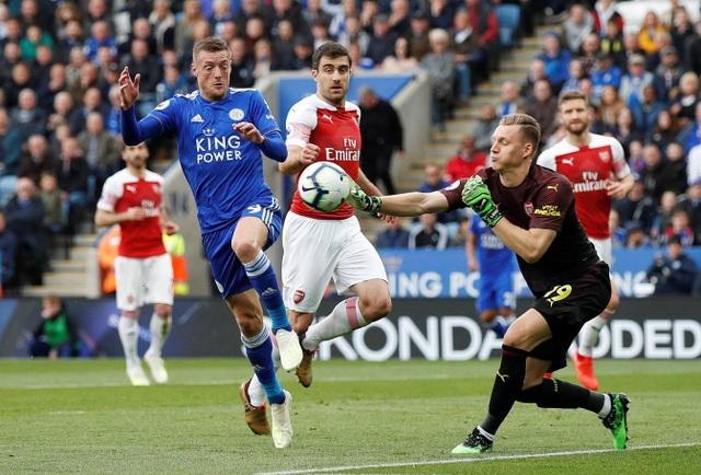 Nhìn lại trận thua tan tác của Arsenal trên sân Leicester - 9