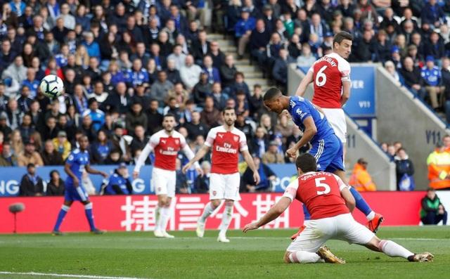 Nhìn lại trận thua tan tác của Arsenal trên sân Leicester - 11