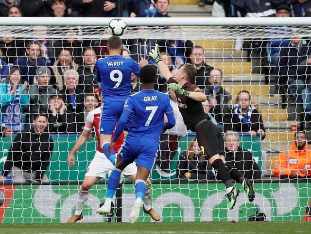 Nhìn lại trận thua tan tác của Arsenal trên sân Leicester - 15