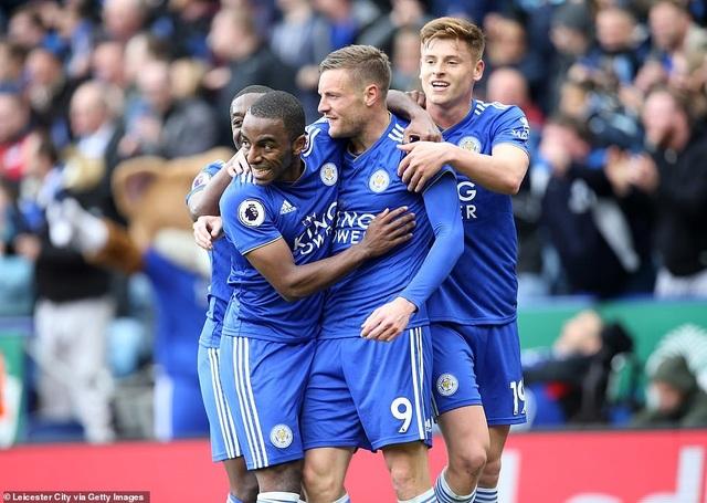 Nhìn lại trận thua tan tác của Arsenal trên sân Leicester - 18