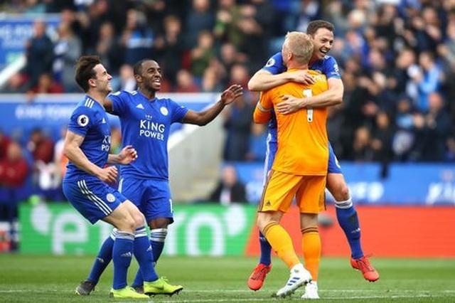Nhìn lại trận thua tan tác của Arsenal trên sân Leicester - 19