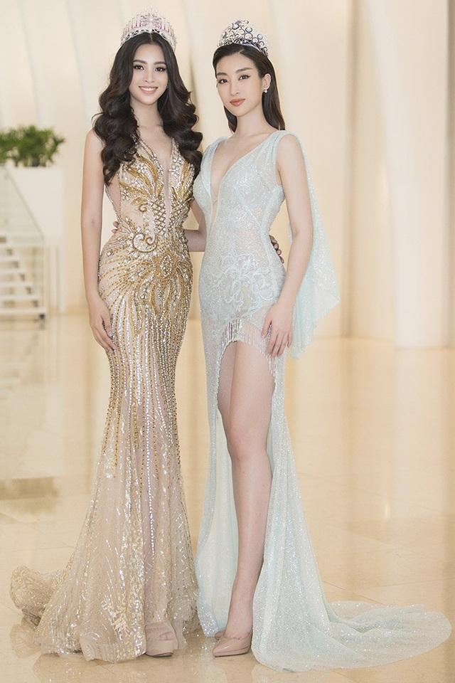 Ngô Thanh Vân khoe thân hình bốc lửa với bikini ở tuổi 40 - 5