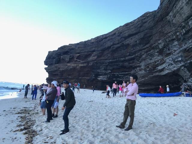 Khách du lịch đến Lý Sơn tăng kỷ lục - 2