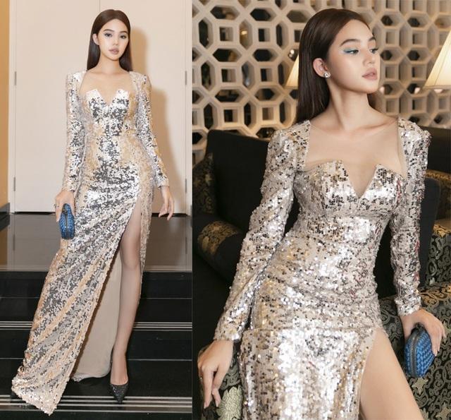 Ngô Thanh Vân khoe thân hình bốc lửa với bikini ở tuổi 40 - 11