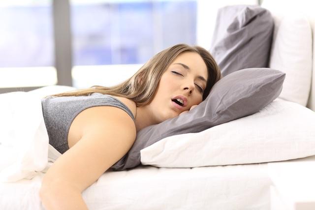 Tại sao bạn luôn mệt mỏi ngay cả khi bạn ngủ đủ giấc? - 1
