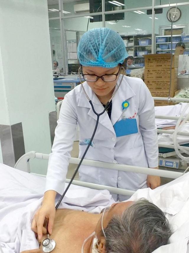 Tự điều trị viêm gan bằng thuốc nam, bệnh nhân hôn mê sâu - 2