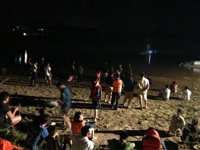 Đã tìm thấy 1 thi thể trong vụ 3 học sinh đuối nước trên sông Hiếu - 2