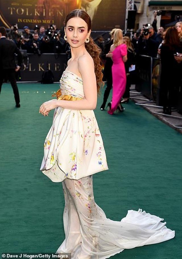 Lily Collins xinh đẹp như công chúa - 4