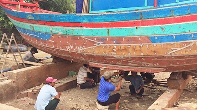 Cảng cá vừa nạo vét đã bị bồi lấp trở lại, ngư dân khóc ròng  - 3