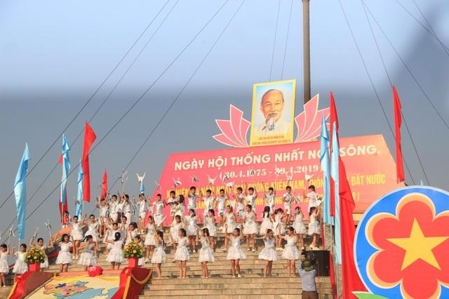 Long trọng Lễ hội Thống nhất non sông, Lễ thượng cờ ở Vĩ tuyến 17 - 3