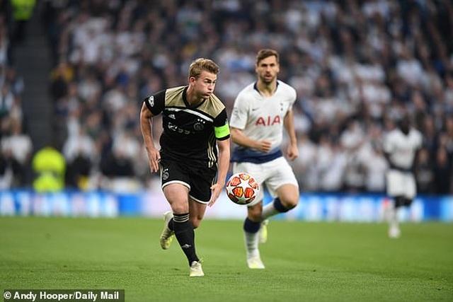 Tottenham 0-1 Ajax: Pha làm bàn của Van de Beek - 13