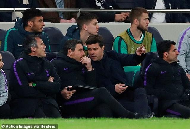 Tottenham 0-1 Ajax: Pha làm bàn của Van de Beek - 4