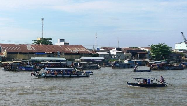 Ngày nghỉ cuối, Chợ nổi Cái Răng, Tràm Chim,… vẫn đông nghịt khách - 4