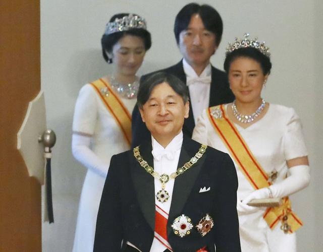 Đường tới ngai vàng của tân Nhật hoàng Naruhito - 24