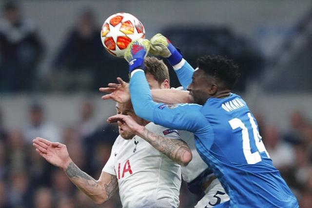 Tottenham 0-1 Ajax: Pha làm bàn của Van de Beek - 8