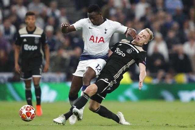 Tottenham 0-1 Ajax: Pha làm bàn của Van de Beek - 9
