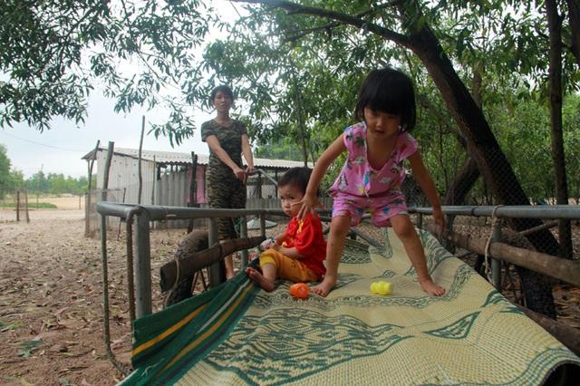 Bạn đọc Báo Dân trí hỗ trợ 2 bé nguy cơ mù vĩnh viễn ở Hà Tĩnh hơn 64 triệu đồng - 2