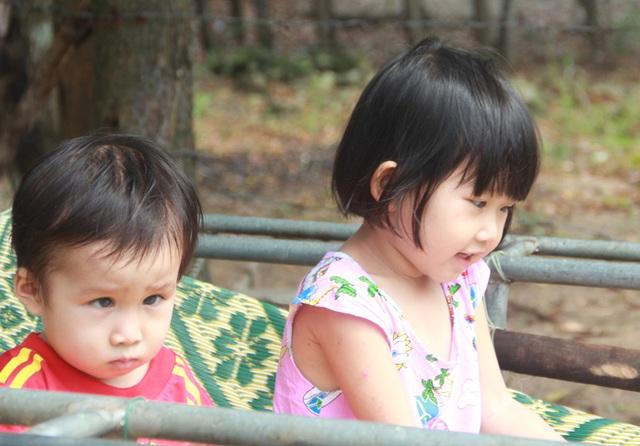Tuổi thơ không lành lặn của 2 bé miền quê nghèo Hà tĩnh, nguy cơ mù vĩnh viễn - 7