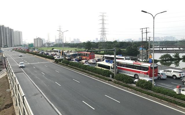 Hà Nội: Ùn tắc nghiêm trọng trên cao tốc Pháp Vân - Cầu Giẽ - 5