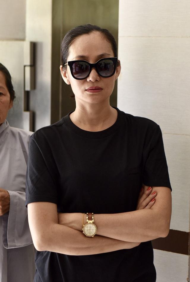 NSƯT Kim Xuân, Lê Thiện... khóc nức nở khi đến viếng Lê Bình - 17