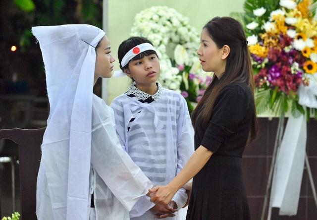 NSƯT Kim Xuân, Lê Thiện... khóc nức nở khi đến viếng Lê Bình - 16