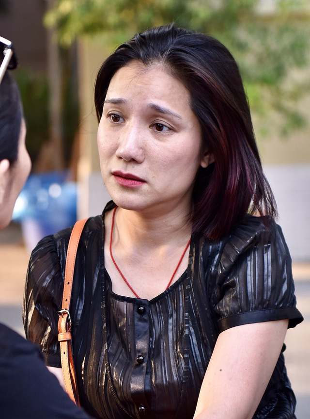 NSƯT Kim Xuân, Lê Thiện... khóc nức nở khi đến viếng Lê Bình - 22