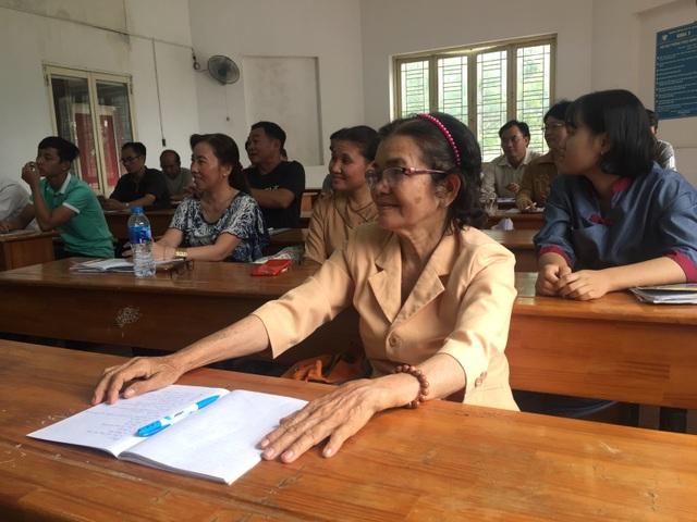 Ngôi trường đặc biệt của những học viên U60, U70 - 1