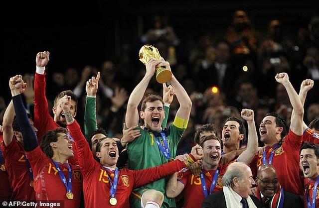 Iker Casillas nhập viện khẩn cấp do đau tim - 3