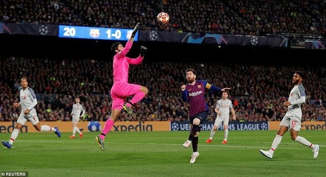 Những khoảnh khắc Messi nhấn chìm Liverpool tại Nou Camp - 21