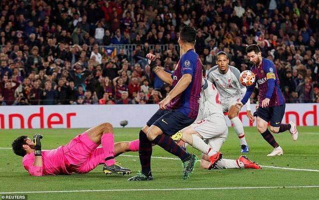 Những khoảnh khắc Messi nhấn chìm Liverpool tại Nou Camp - 7