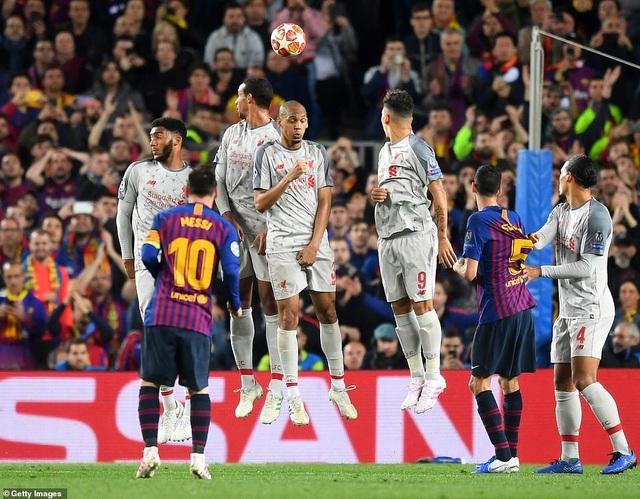 Những khoảnh khắc Messi nhấn chìm Liverpool tại Nou Camp - 11