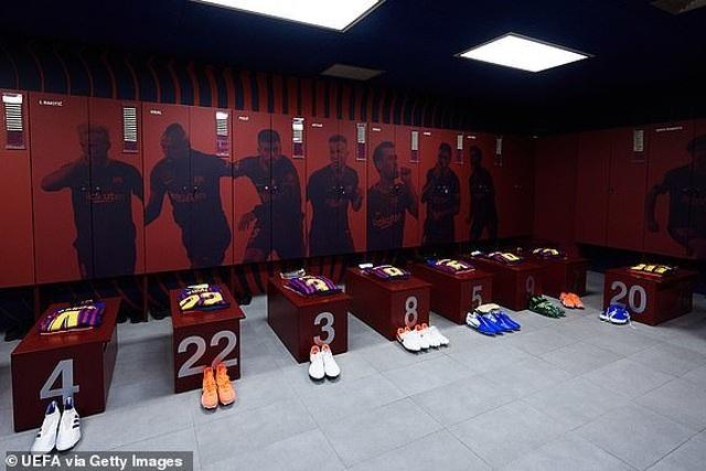 Barcelona 3-0 Liverpool: Cú đúp của Messi - 36