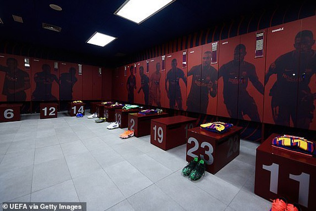 Barcelona 3-0 Liverpool: Cú đúp của Messi - 37