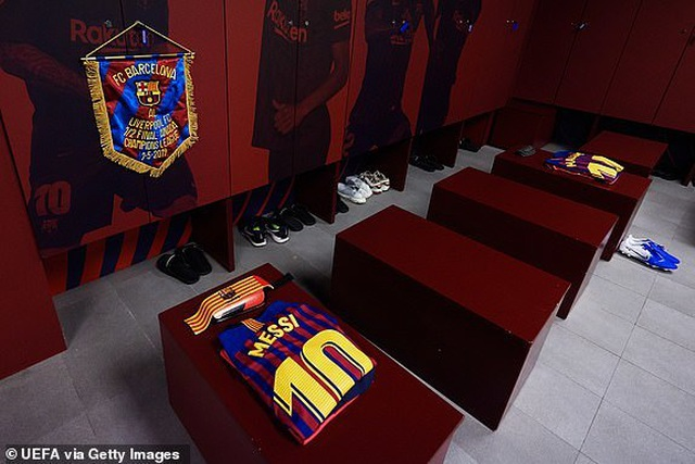 Barcelona 3-0 Liverpool: Cú đúp của Messi - 38
