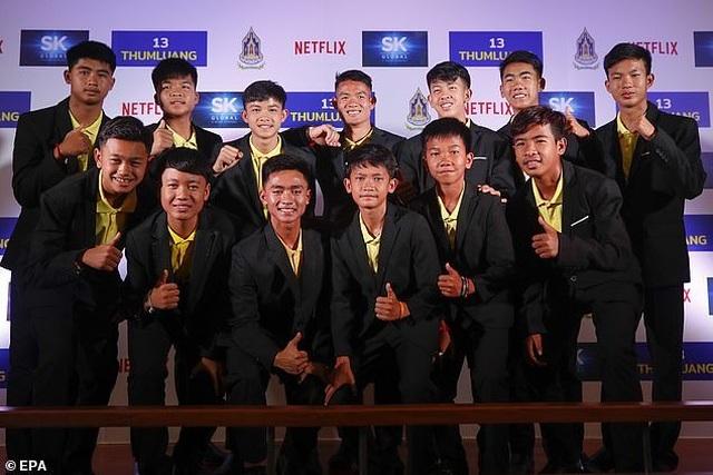 Đội bóng Thái Lan nhận hơn 2 tỷ đồng/người từ dự án phim - 1