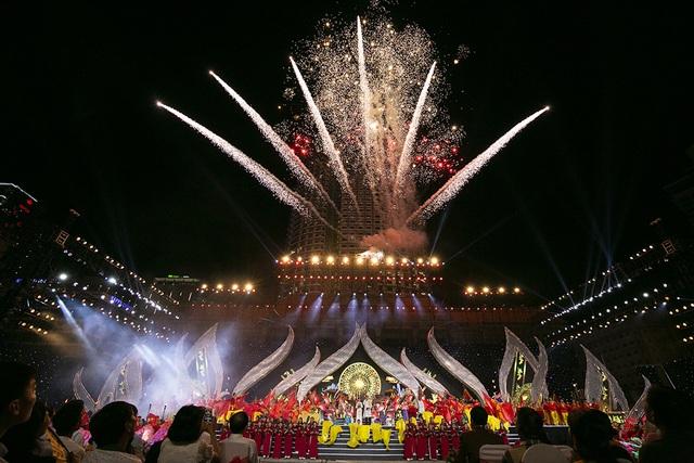 Lễ dâng Trầm huyền dịu qua bàn tay tổng đạo diễn Hoàng Nhật Nam - 1