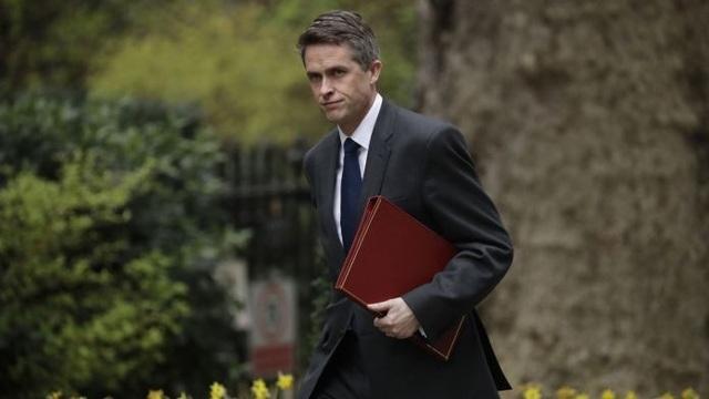 Bộ trưởng Quốc phòng Anh lên tàu ngầm hạt nhân tối mật ngay trước khi bị cách chức - 1
