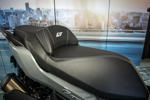 BMW tung ra hai mẫu xe ga sản xuất tại Trung Quốc - 24